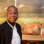 Prof. Francis Kéré vor Tafelbild